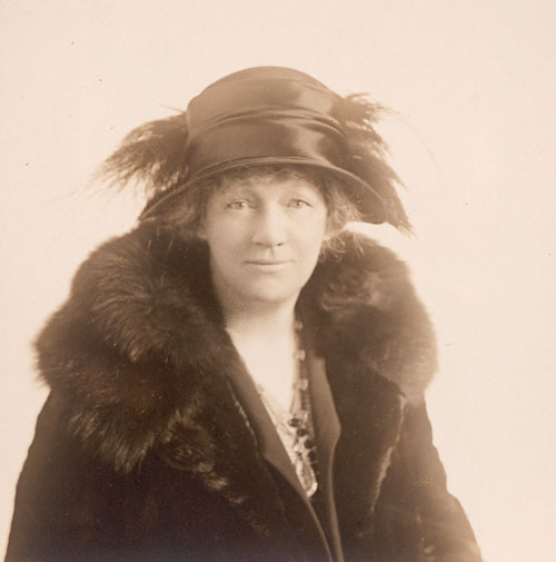 Unknown photographer, Lillie P. Bliss. The Museum of Modern Art, New York. Bliss Family Papers, New York