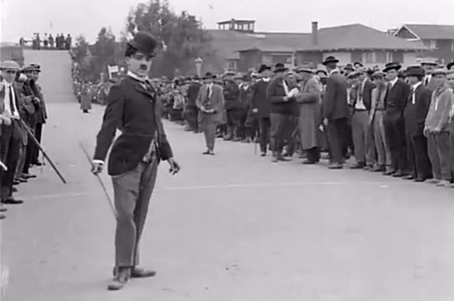 The Kid Auto Race in Venice, 1914. U.S.A. Directed by Henry Lehrman. Keystone Film Co.