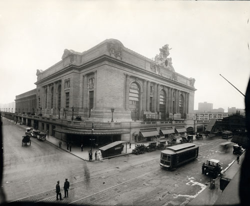 Grand Central Terminal, ca. 1913. Gelatin silver print. New-York Historical Society