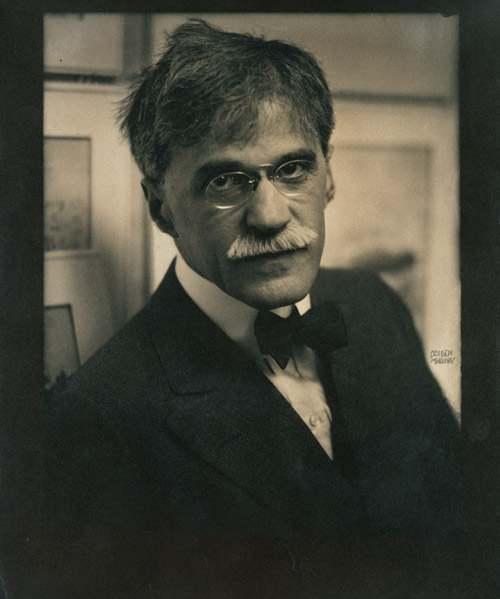 Edward Steichen (American, 1879–1973), Alfred Stieglitz at 291, 1915. Coated gum bichromate over platinum print, 11 5/16 × 9½ in. (28.8 × 24.2 cm). The Metropolitan Museum of Art, New York, Alfred Steiglitz Collection, 1933 (33.43.29)