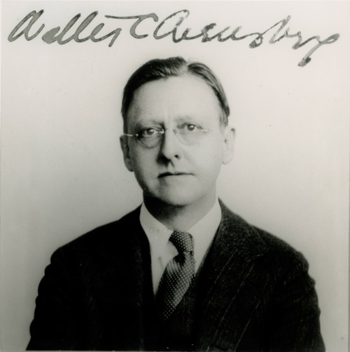 Walter Arensberg, 1928. Signed passport photograph. From Francis M. Naumann, New York Dada, 1915–23 (New York: Harry N. Abrams, 1994), p. 23